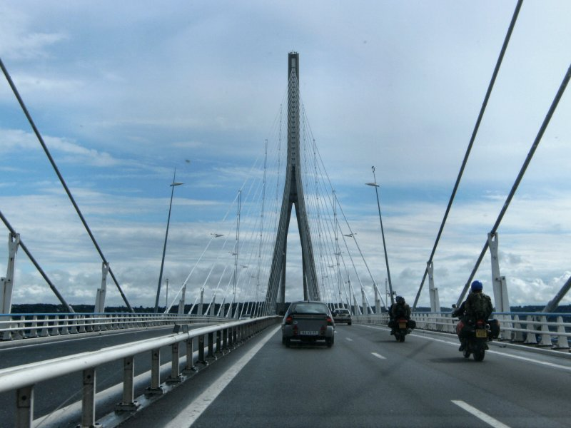 Pont De Normandie - Another delay for toll booths...